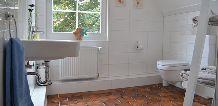 Badezimmer / Duschbad